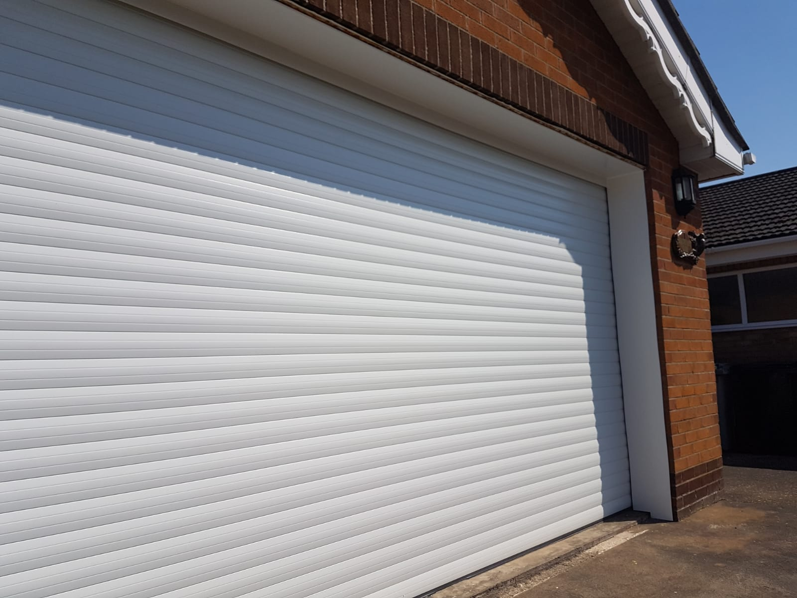 large white roller garage doros